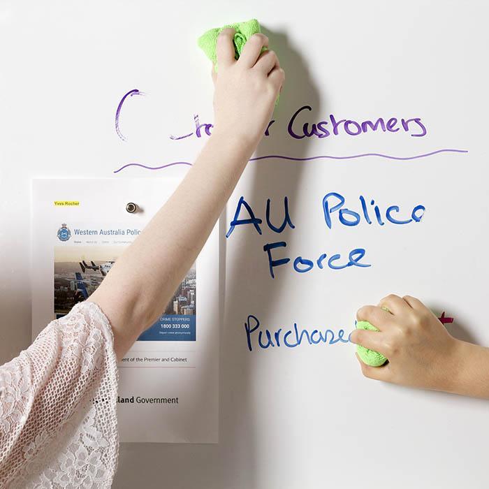carta da parati magnetica e lavagna in uso per clienti per realizzare muri scrivibili pennarello